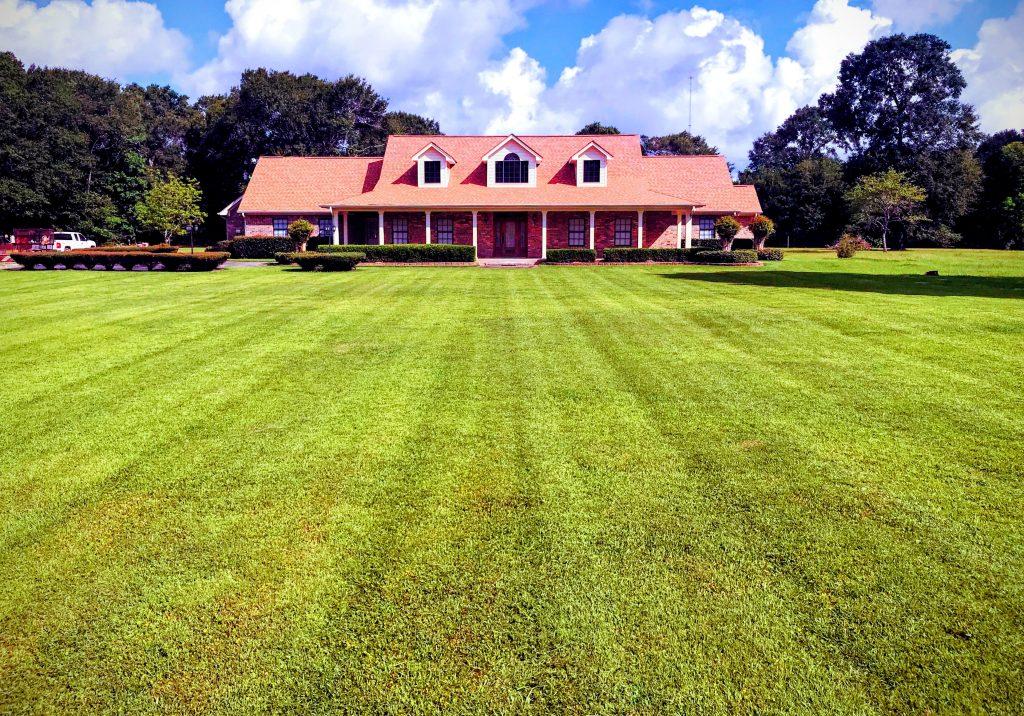 Groves-Texas-Lawn-Care-Service-1-e1541547818453
